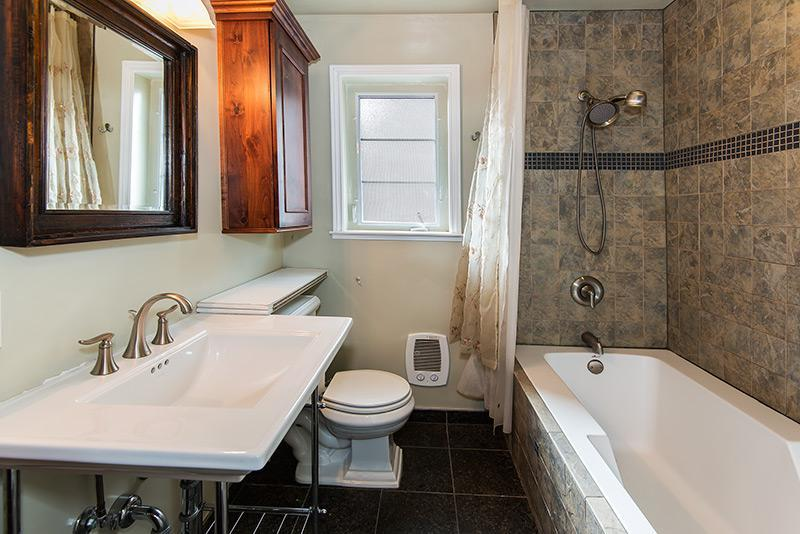 Old SW Reno Bathroom